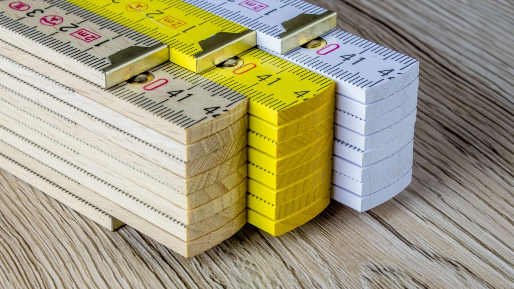 Zollstock aus Buchenholz mit innenliegenden Stahlfedergelenke - 180 Winkelgradanzeige - perfekt für vollflächigen Druck