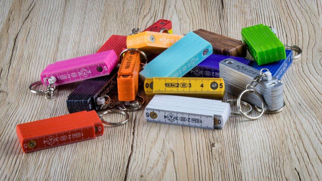 Zollstock Schlüsselanhänger aus Kunststoff mit 50cm Länge - in vielen Farben