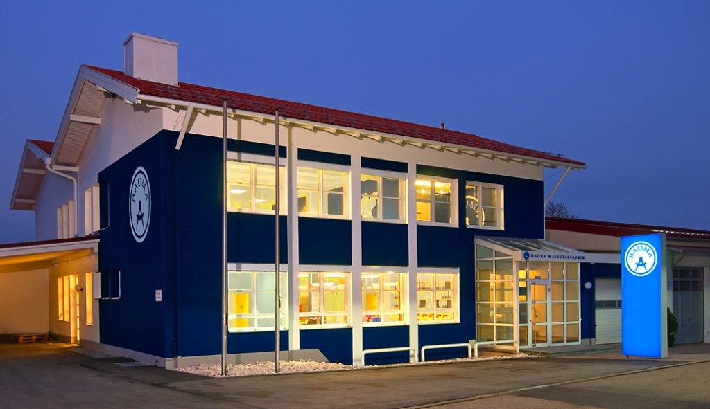 Bauer Maßstabfabrik - Hersteller von Zollstöcken und Messwerkzeugen - Verwaltungsgebäude