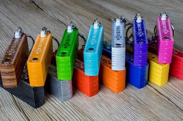 Schlüsselanhänger Zollstöcke aus Kunststoff in 0,5m Länge - in vielen Farben
